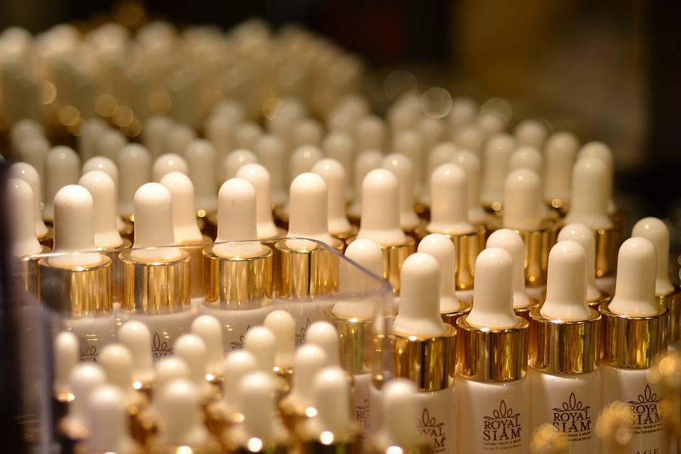 Cosmetics are prepared for order fulfillment via dropshipping.